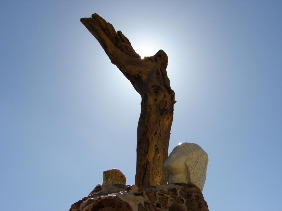 """ Anapterosis "" Driftwood, stone, sculptured plaster - αλίκτυπο ξύλο, πέτρα, σκαλισμένος γύψος  36 cm."