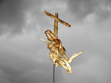 """"""" Stabat Mater """" Aλίκτυπα ξύλα - driftwood 30 x 60 cm."""